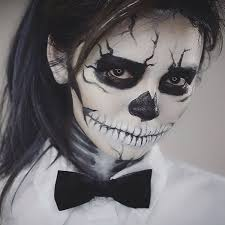 day of the dead makeup as you guys requested i m gonna show you guys how to do this black and white sugar skull makeup that i wear on night