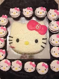 Hello Kitty Cupcakes Cake Cupcakes And Things Hello Kitty Cake
