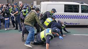 Protesters seen chanting 'freedom' and hurling abuse at police and media while not wearing masks. Anti Lockdown Protesters Clash With Police In Melbourne Daily Mercury
