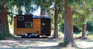 Small Picture Modern Tiny House on Wheels with a Rooftop Balcony