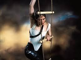 On Pang Chairlifts Caroline Polachek Is A Pop Cyborg