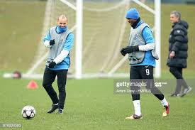 Inter Milan's Wesley Schneider and Samuel Eto'o during training News Photo  - Getty Images