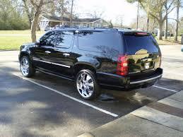 Chevrolet Suburban #2493240