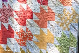 Patch the Giraffe: Modern Maples & This time around I also tried the spiral top quilting. It was difficult at  the center with my small domestic sewing machine, but started to get easier  as ... Adamdwight.com