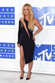 MTV VMAs 2016 The Best Dressed Celebrities on the Red Carpet.