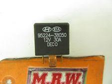kia sephia other hyundai kia fuse relay fuse box wire panel dash main 12v 30 amp 95224 38050 oem fits kia sephia