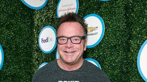tom arnold writes pro gun control essay in wake of nephew s suicide