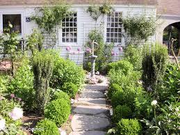 heritage museum gardens path in sandwich ma
