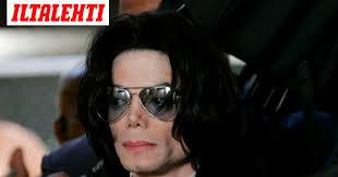 Yllättävä käänne Michael Jackson -pedofiilikohussa: Wade Robsonin äidin  todistus oikeudessa vie pohjaa hyväksikäyttösyytteiltä