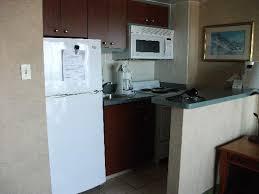 Beach Quarters Resort: Kitchen