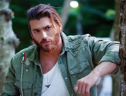 .of last year, can yaman has surprised us with a change of image in his last advertising campaign. Actor Of Albanian Descent Can Yaman Wins Gq Turkey Men Of The Year Oculus News