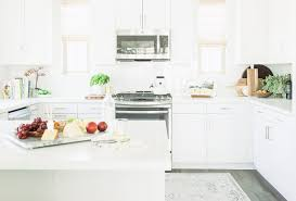 Benjamin Moore Simply White Kitchen with Clean Lines - Home Bunch ...