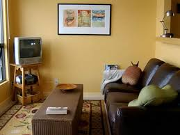Yellow And White Living Room Designs Antique Vintage Living Room Design With Yellow Wall Color And