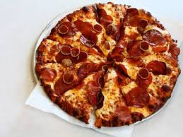 20160418 202297 round table pizza triple play pepperoni