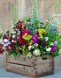 Captivating 20 Amazing DIY Outdoor Planter Ideas To Make Your Garden Wonderful