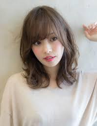 小顔になるフェミニンなミディアムヘアse252 ヘアカタログ髪型