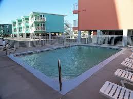 harbor house pool