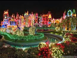 Christmas Decoration 30 Absolutely Beautiful Christmas Decorations From Around The