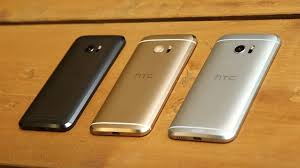htc 10 gold vs black. hands-on with the familiar metal curves of htc 10 htc gold vs black