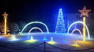 Where To See Christmas Lights In Rhode Island Let It Glow The Best Holiday Light Displays To See In Ri Mass