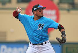 Miguel Rojas' journey to Miami Marlins' starting shortstop | Miami Herald