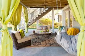 image of round outdoor patio coffee table