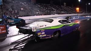 classic american muscle cars drag racing their modern descendants
