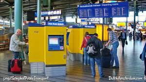 Resultado de imagen de metro amsterdam schiphol