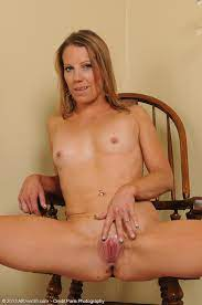 Introducing 32 Year Old Alyssa Dutch From Allover30 Pictures Of Naked Milf And Housewives From Plainview Ny