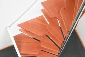 Im gegensatz zur gewendelten treppe mit einer etwas längeren, dafür schmaleren gru. Raumspartreppen Paltian Treppenbau Gmbh