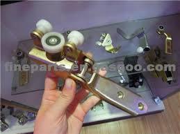 70184335b vw t4 middle door roller