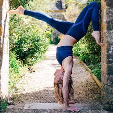 the most important things to look for when choosing a yoga teacher course