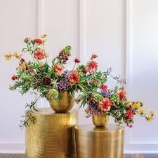 Floral Cascade Designs Susan Mclearys Colorful Cascading Arrangement Flower Magazine