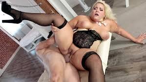 Free naked plus size video woman