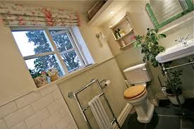 Avocado Bathroom Suite How To Create A Cute Compact Period Cottage Bathroom Moregeous