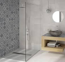 one 450x450 floor tile