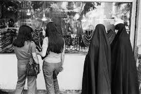 آیت الله مکارم: باید حجاب اجباری حذف شود!!