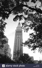 the metropolitan life insurance company tower a historical old building in new york city