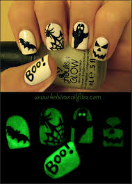 kelsie's nail files: Ghoulish Glow