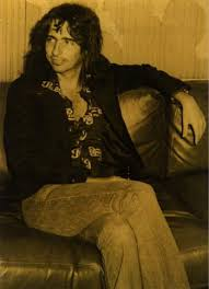 <b>Alice Cooper</b>