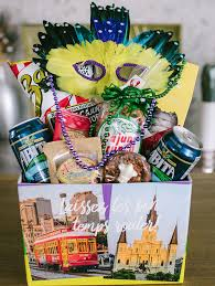 new orleans bachelorette party gifts mardi gras balcony party