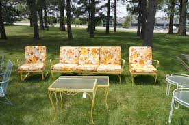 ... Retro Patio Furniture Floral Sofa On The Garden ...