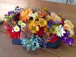weekly flower delivery in sioux falls can enhance lobbies offices reception areas or residential es our arrangements create a weling oasis