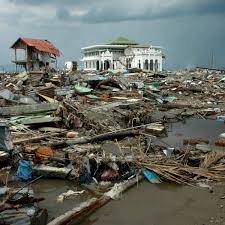 When the 2004 indian ocean tsunami hit sri lanka, it derailed a train that was taking passengers from the capital. Why 14 Years After The Aceh Tsunami Smong Should Be Part Of The Indonesian Vocabulary