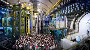 Una anomalía en el LHC podría sugerir la existencia de una nueva partícula  - Universitat Autònoma de Barcelona - UAB Barcelona