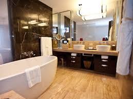 best hotel bathrooms. 11 Mandarin Oriental Las Vegas Dark And Light Bathroom - Best Bathrooms In Hotel