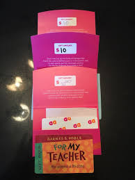 30 dunkin donuts gift cards 10 barnes and le gift card