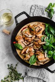 DINNER GOALS: creamy sun dried tomato chicken with mushrooms and white wine  sauce! #californias… | Chicken mushroom recipes, Creamy mushroom chicken,  Dried tomatoes