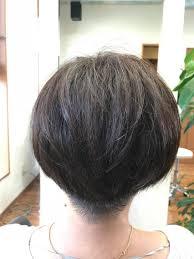 襟足はすっきり刈り上げ 丸みを残して女性らしい髪型へhaircare