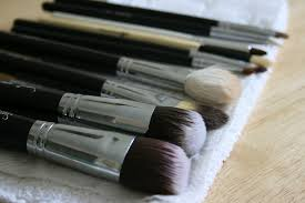how to dry makeup brushes fast easy wayu0026 39 s to clean make up brushes s j m w e l l fashion beauty